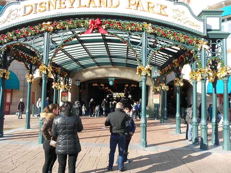 paris-disneyland-10