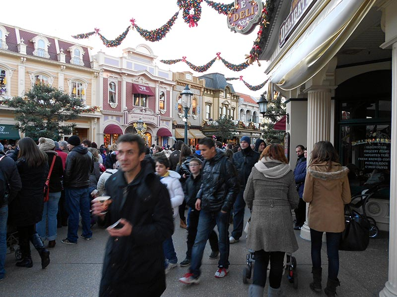 paris-disneyland-35