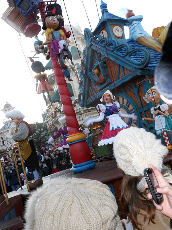 paris-disneyland-60