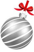 Серебряная игрушка с красным бантиком и белыми полосками по диагонали